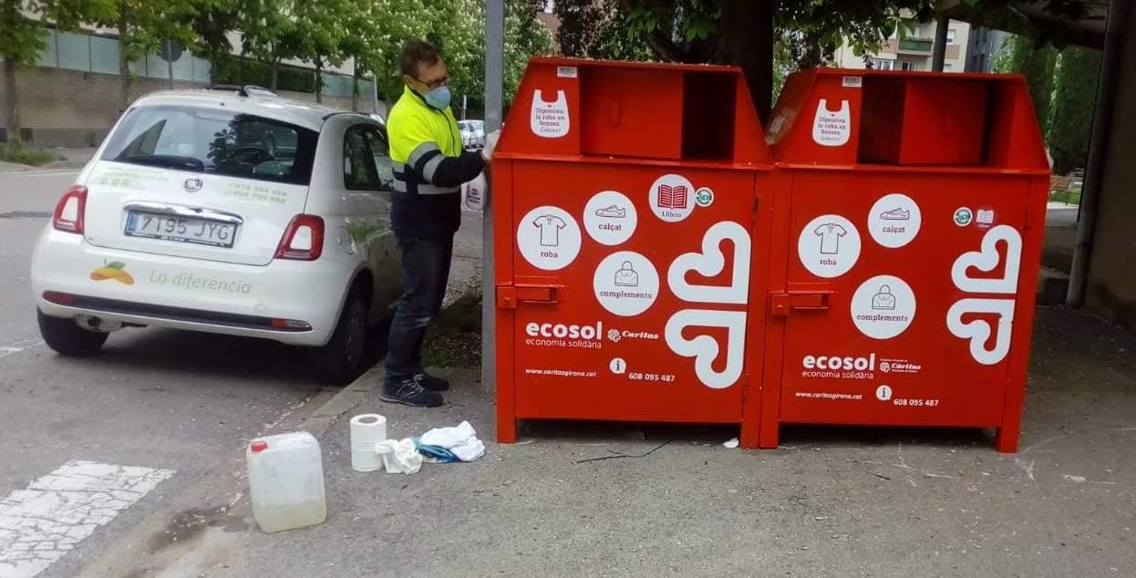 Ecosol repara tots els seus contenidors de recollida de roba usada gràcies a la subvenció d'Inditex